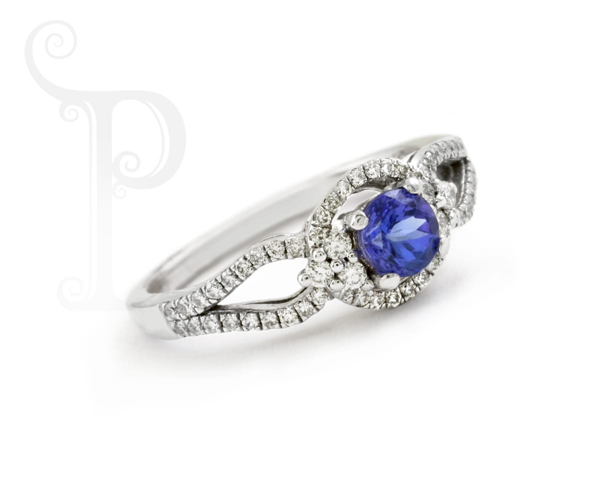 Tanzanite and Diamond Fancy Twisted Solitare Ring